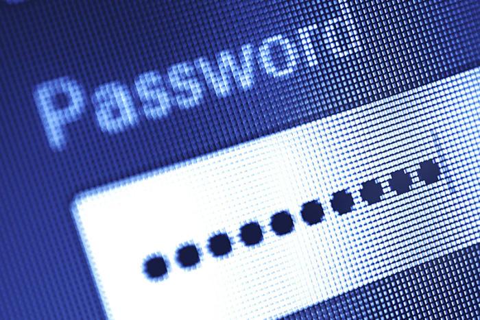 GOP senator alleges password-hijack attempts after blasting WikiLeaks founder