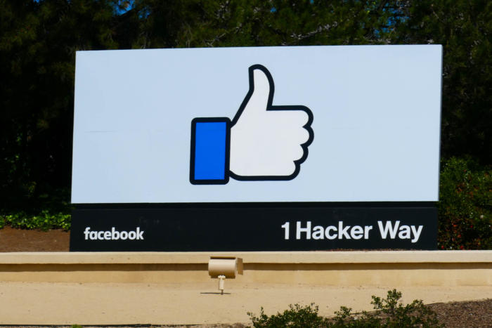Facebook hit with maximum fine for breaking French privacy law