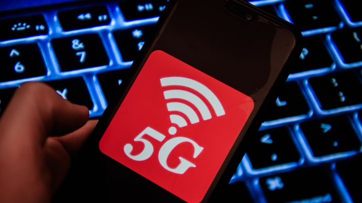 Flaws In 4G And 5G Allow Snooping On Calls, Pinpointing Device Location