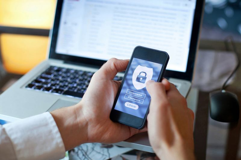 Threatpost Poll: Over Half of Firms Asked Struggle with Mobile Security